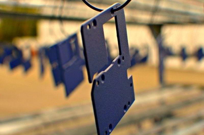 treo sản phẩm đưa vào buồng sơn tĩnh điện