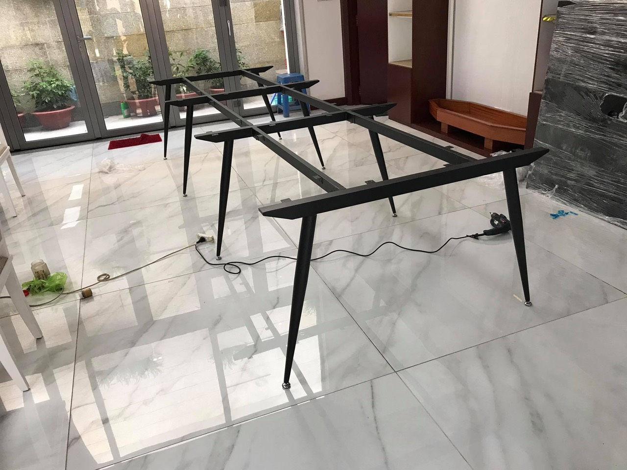 Chân bàn cụm 6 sắt vuốt côn