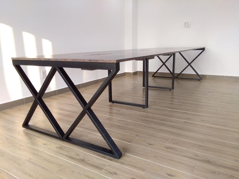 Chân bàn Xcocnept tại công trình