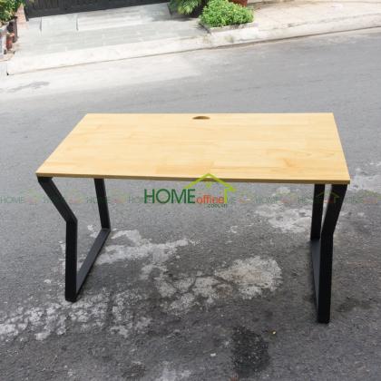 bàn làm việc gỗ cao su chân bàn lắp ráp